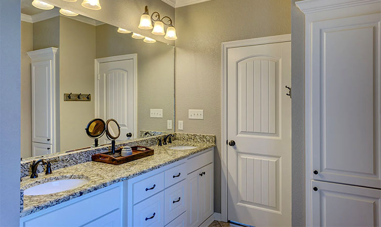 Tips on choosing the right bathroom countertops