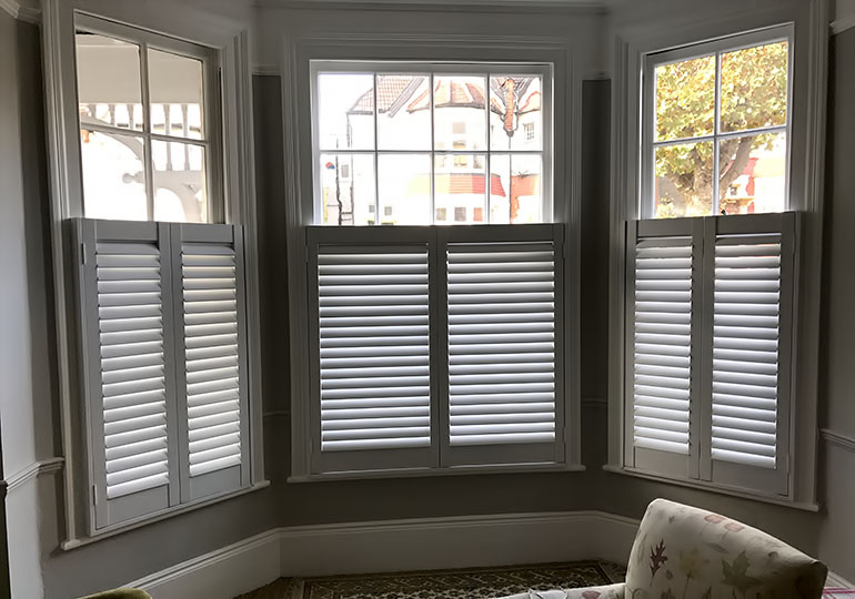 cafe style shutters bay window