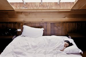 Buying a new bed – check out these money saving tips