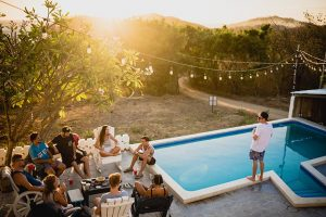 5 landscaping ideas for your pool