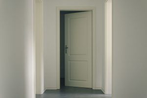 A pro's secrets to replacing an interior door